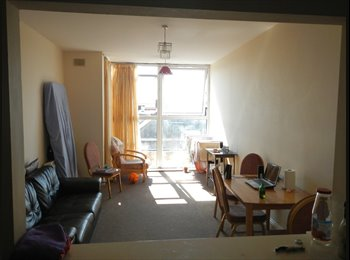 EasyRoommate IE - Shared room place for 1 GIRL in Dublin city centre - Dublin City Centre, Dublin - €280