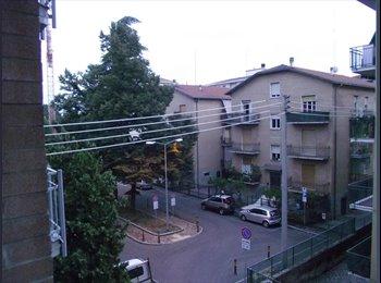EasyStanza IT - Ampia stanza singola nei pressi dell'Ospedale - Parma, Parma - €300