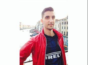 EasyStanza IT - Jaime - 23 - Roma