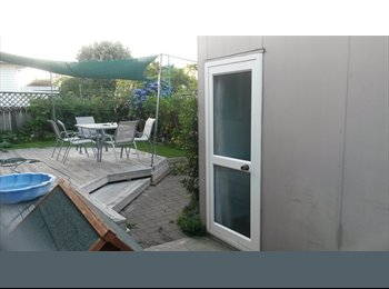NZ - renovated outside room - Bellevue, Tauranga - $130