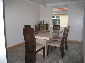 EasyRoommate UK - House Share of 4 Bed Luxury Detached House - Holland-on-Sea, Clacton-on-Sea - £347