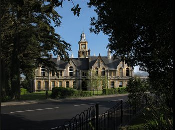 Gorgeous Luxury flat in Landmark renovated College