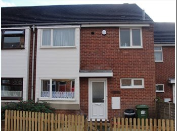 STUDENT 4 Bed House. North Leamington. No Fees.