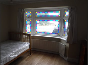 EasyRoommate UK Double Room in Greenford to rent to student/prof. - West Ealing, West London, London - £585 per Month,£135 per Week - Image 1