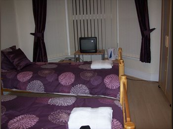 EasyRoommate UK - Room to Rent - Aintree Village, Liverpool - £350