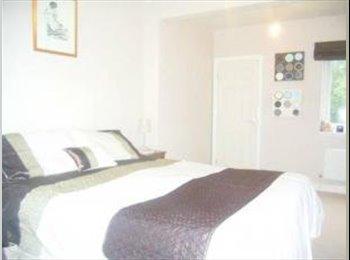 Altrincham - Double Bedroom - BILLS INCLUDED !