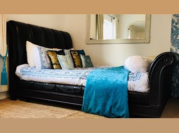 FULL FURNISHED ROOM & PRIVATE BATHROOM