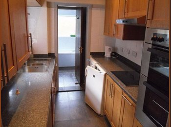 Clean, modern, all inclusive house in Earlsdon