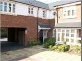 EasyRoommate UK - Beautiful, modern 2 bed apartment Edgbaston - Harborne, Birmingham - £625