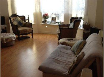 Beautiful Modern Rooms in Huge flat !