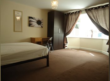 EasyRoommate UK - *Quaint Double Room with Plenty of Parking* - Silverdale, Newcastle under Lyme - £400