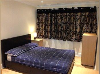 EasyRoommate UK - En Suite Room To Let in Professional House Share - Hemel Hempstead, Hemel Hempstead - £560
