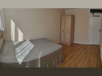 EasyRoommate UK LARGE SINGLE ROOM WEMBLEY CENTRAL NEAR TUBE - Brent, North London, London - £433 per Month,£100 per Week - Image 1