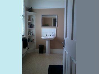 EasyRoommate UK Clean and comfortable bedroom in shared house - Hastings, Hastings - £325 per Month - Image 1