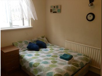 Double Room in Stratfordl All Bills Inc, Wifi