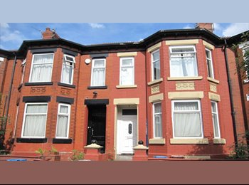 FIVE BED HOUSE TO RENT IN VICTORIA PARK