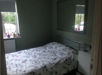 EasyRoommate UK - Looking for a new housemate - Crawley, Crawley - £425