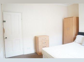 Cheap Student House Share - Raddlebarn Road