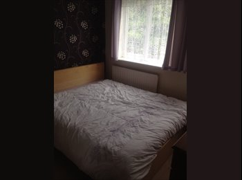 EasyRoommate UK - Double rooms in quiet house - Peterborough, Peterborough - £325