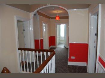 FANTASTIC 8 Bedroom House by Edgbaston Reservoir