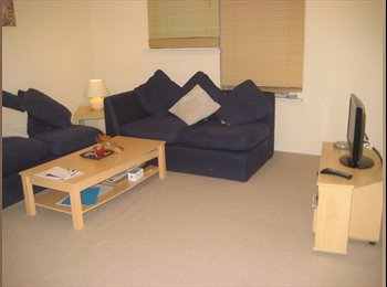 EasyRoommate UK - Modern fully furnished double bedroom with 90% bil - Bridgeton, Glasgow - £385