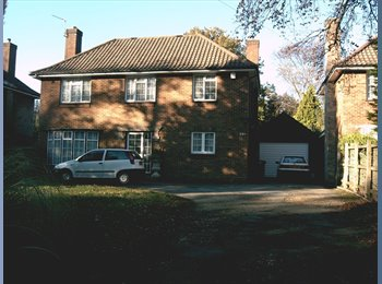 Good size rooms in a 5 bed detached house