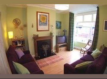 Nice 4 bed house in quiet street