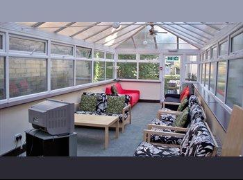 Single ensuite rooms near Lansdowne