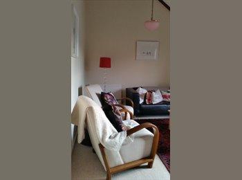 EasyRoommate UK - House shares for clean large home - Leck-hampton, Cheltenham - £450