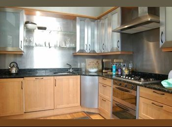 Chelsea Double Bedroom - Finborough Rd