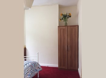 Newly decorated, spacious room in quiet area