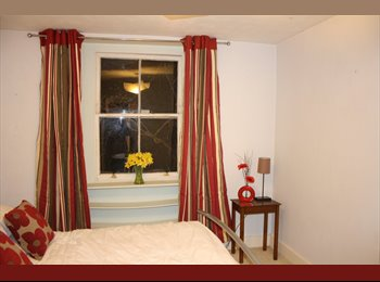 Beautiful 2 bed unfurnished garden flat