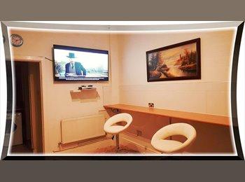 EasyRoommate UK - Double/Twin Rooms With Sat TV Net Tea Alarm Basin - Crumpsall, Manchester - £500
