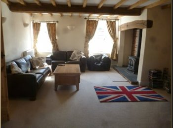 EasyRoommate UK - Bedroom available in fully refurbished Farm house - Normanton on Soar, Loughborough - £400