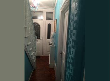 EasyRoommate UK - Double room for rent in Hounslow - Hounslow, London - £650
