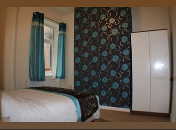 EasyRoommate UK - Brand New Double Room  - Eccles - Eccles, Salford - £347