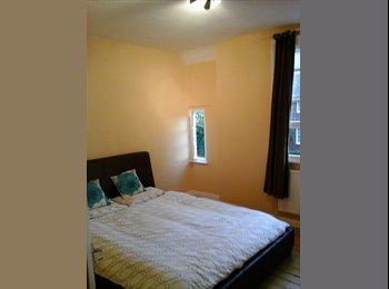 CLEAN SMOKE FREE DOUBLE ROOM AVAILABLE N17