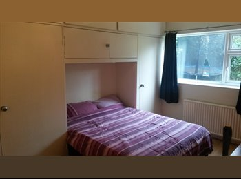 EasyRoommate UK - Double room in Offerton - Offerton, Stockport - £400