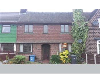 EasyRoommate UK - Medium sized house looking for tenants - Irlam, Salford - £350