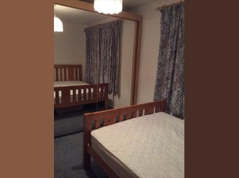 EasyRoommate UK - Double bedroom available near Ash station - Ash, Hart and Rushmoor - £400