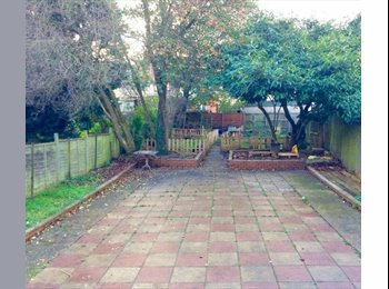 EasyRoommate UK - Lovely house for sharers in Dollis Hill - Cricklewood, London - £615