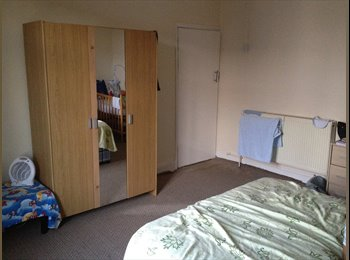 A double room to Let