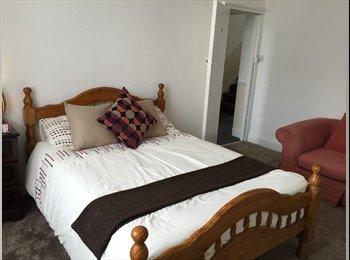 EasyRoommate UK - Best house in central Bradford - Bradford City Centre, Bradford - £350