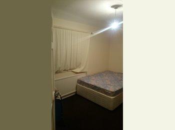 EasyRoommate UK - double room available  - Little Hulton, Salford - £350