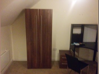 EasyRoommate UK - Double bedroom in Duplex Apartment - Chester, Chester - £550