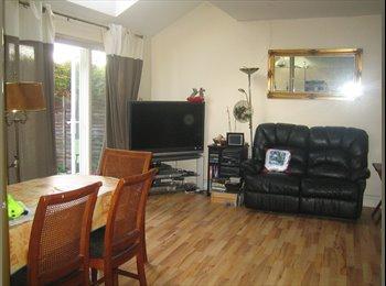 two doubles & a single en-suite, comfy, spacious