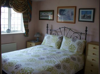 Double Bedroom - 3 min to St. Margaret's station
