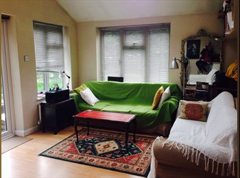 EasyRoommate UK - Double room in a great four bedroom house - Morden, London - £450