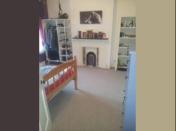EasyRoommate UK - Spacious Double Room in Bedford Town Centre - Bedford, Bedford - £500