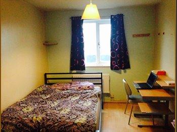 EasyRoommate UK - Double Room - Hayes, London - £400